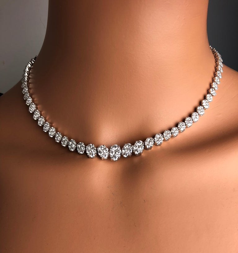 Contemporary 14.14 Carat Diamond Necklace in 18 Karat White Gold For Sale