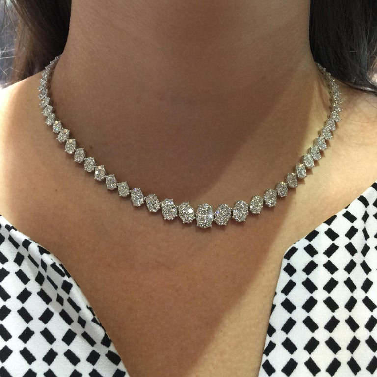 14.14 Carat Diamond Necklace in 18 Karat White Gold In New Condition For Sale In New York, NY