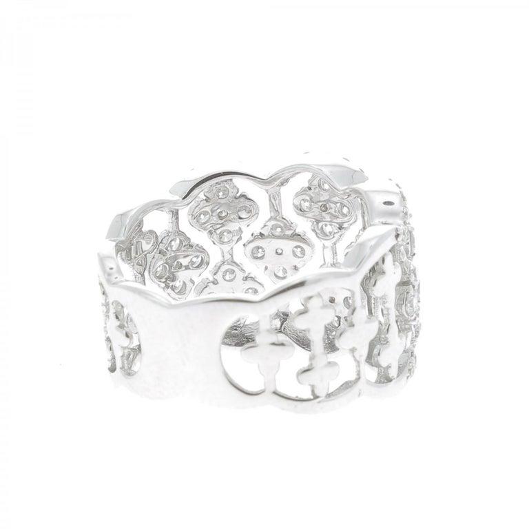 Contemporary 1.42 Carat Round Diamond Clover Ring 18 Karat White Gold Band Ring Fashion Ring