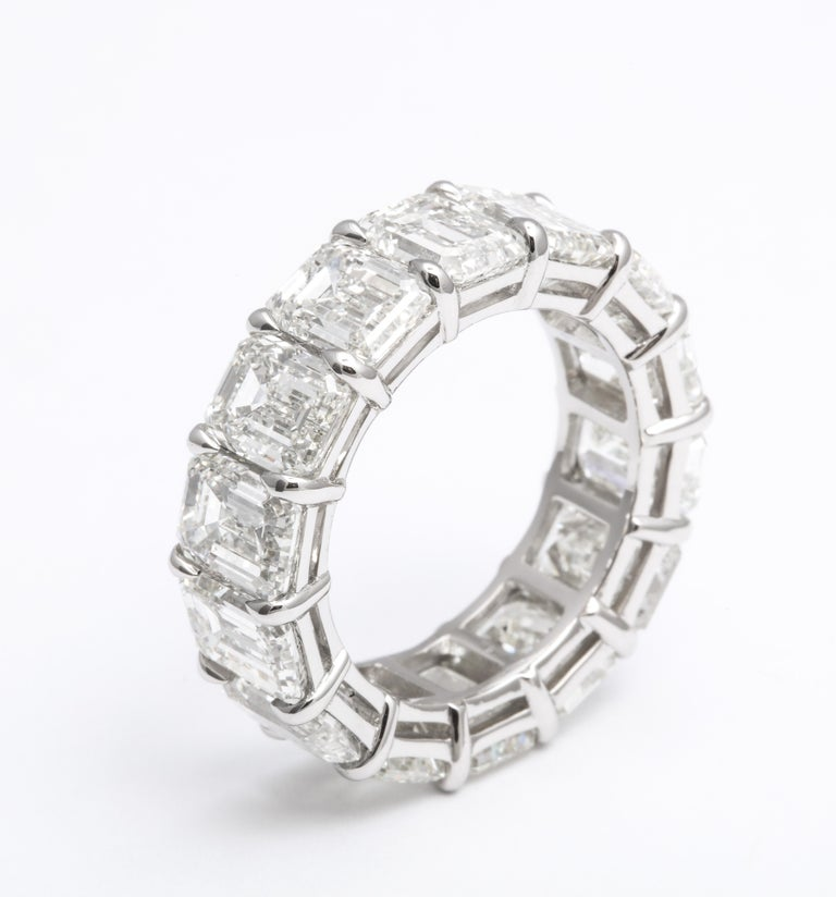 14.20 Carat Emerald Cut Diamond Eternity Band In New Condition For Sale In New York, NY
