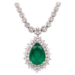 14.22 Carat Emerald Diamond Pendant Necklace