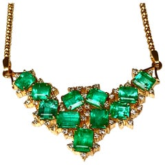 14.25 Carat Cluster Colombian Natural Emerald Diamond Necklace 18 Karat