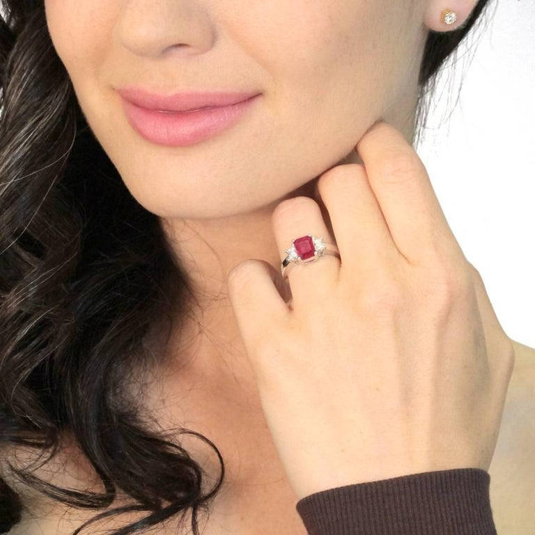 Women's 1.43 Carat Ruby and Diamond Set Gold Ring For Sale