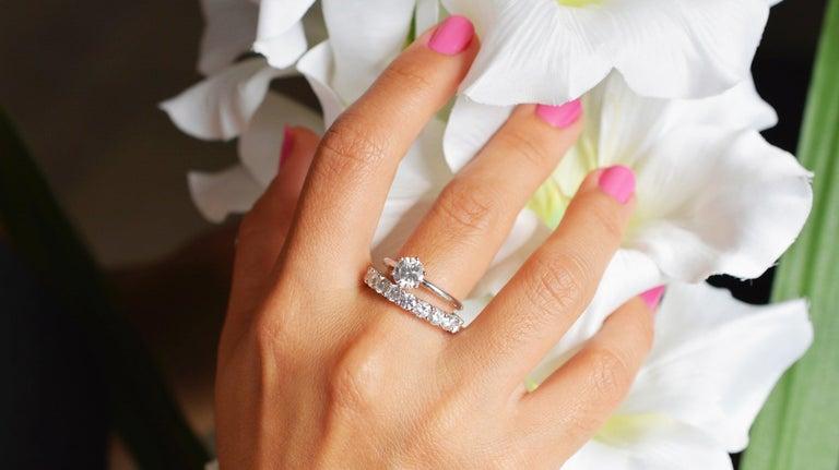 Contemporary 1.44 Carat Round Cut Moissanite 18 Karat White Golden Alliance Engagement Ring For Sale