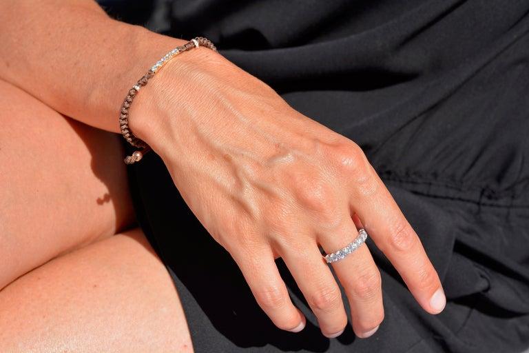 1.44 Carat Round Cut Moissanite 18 Karat White Golden Alliance Engagement Ring In New Condition For Sale In Antwerp, Antwerp