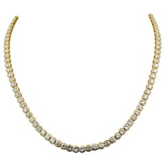 14.50 Carat Diamond and 18 Karat Yellow Gold Line Riviera Necklace