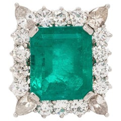 14.75 Carat Colombian Emerald and Diamond Ring Set in Platinum
