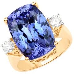 14.78 Carat Tanzanite and Diamond 18 Karat Yellow Gold Engagement Ring