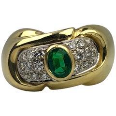 1481AL Italian 18 Karat Gold Oval Green Emerald with Round White Diamond Ring