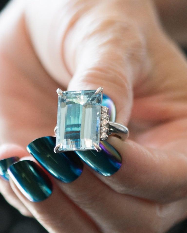 14.96 Carat Aquamarine and Diamond Platinum Ring For Sale 6