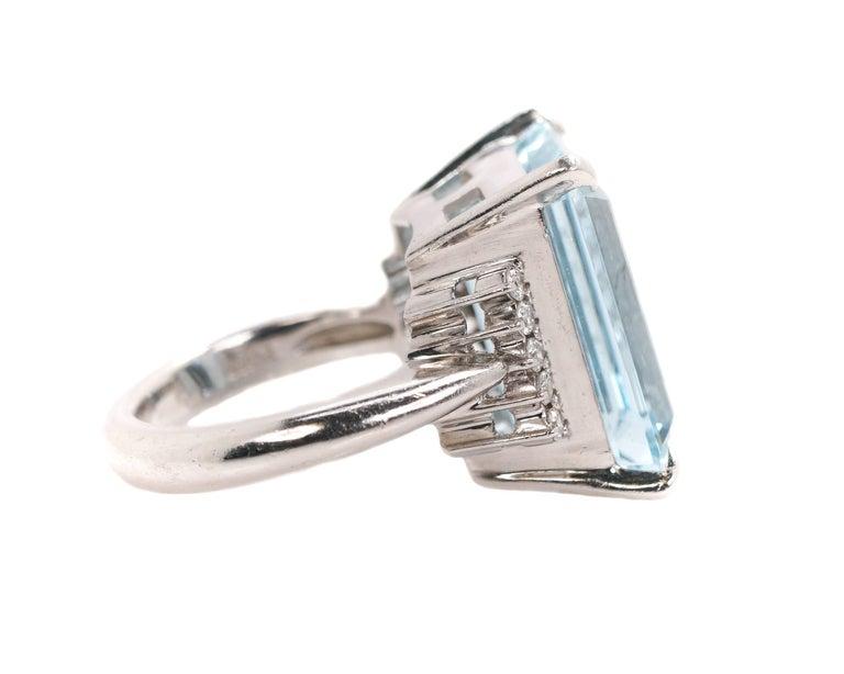 Emerald Cut 14.96 Carat Aquamarine and Diamond Platinum Ring For Sale