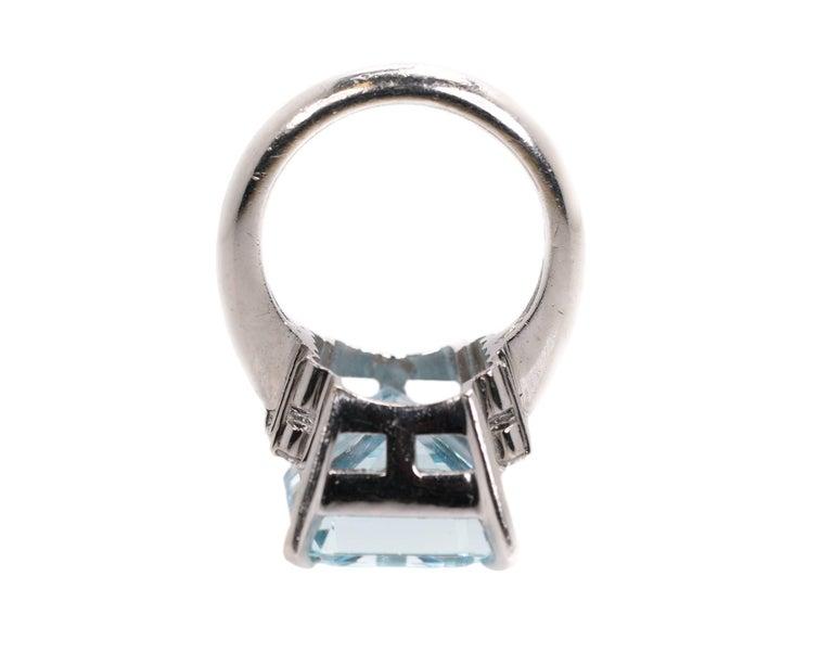 14.96 Carat Aquamarine and Diamond Platinum Ring For Sale 1