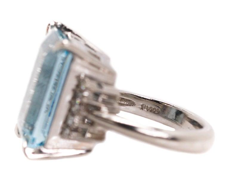 14.96 Carat Aquamarine and Diamond Platinum Ring For Sale 2