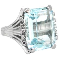 14 Carat Aquamarine Diamonds White Gold Cocktail Fashion Ring