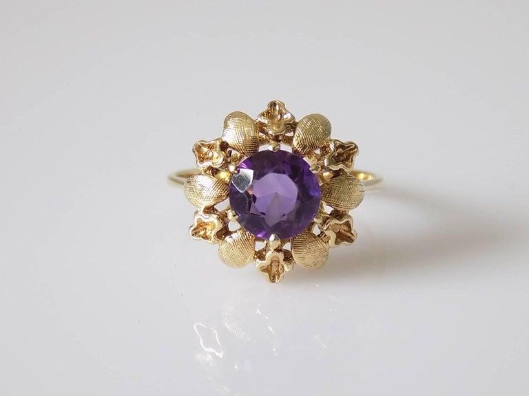 Women's 14 Karat Amethyst Gold Solitaire Flower Ring For Sale