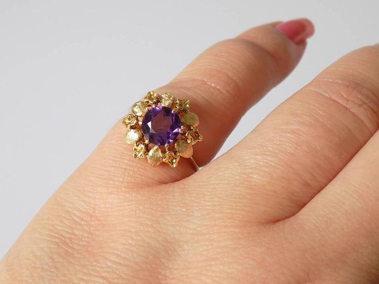 14 Karat Amethyst Gold Solitaire Flower Ring For Sale 1