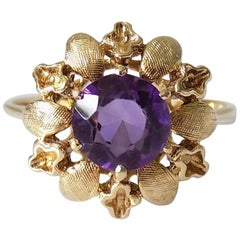 14 Karat Amethyst Gold Solitaire Flower Ring