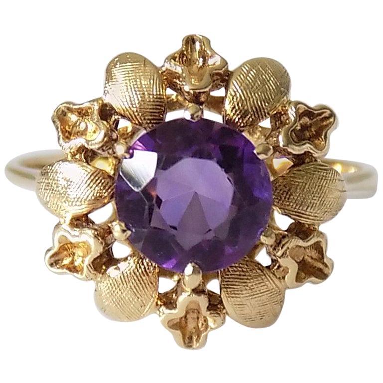 14 Karat Amethyst Gold Solitaire Flower Ring For Sale