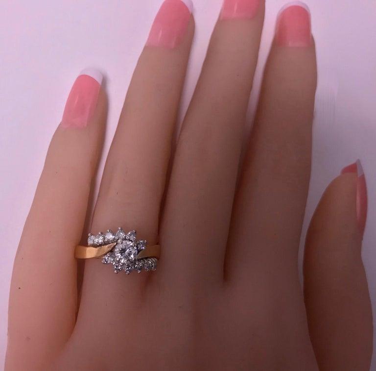 14 Karat Diamond Twist Design Ring In Good Condition For Sale In Toronto, ON