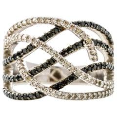 14 Karat Gold Black and White Diamond Fashion Band Ring