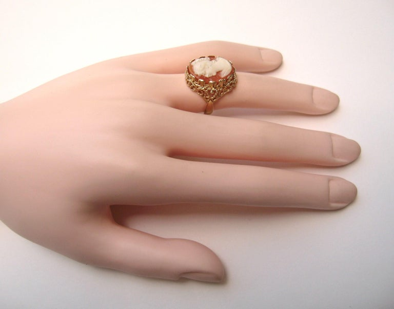 14 Karat Gold Cameo Ring In Good Condition For Sale In Wallkill, NY