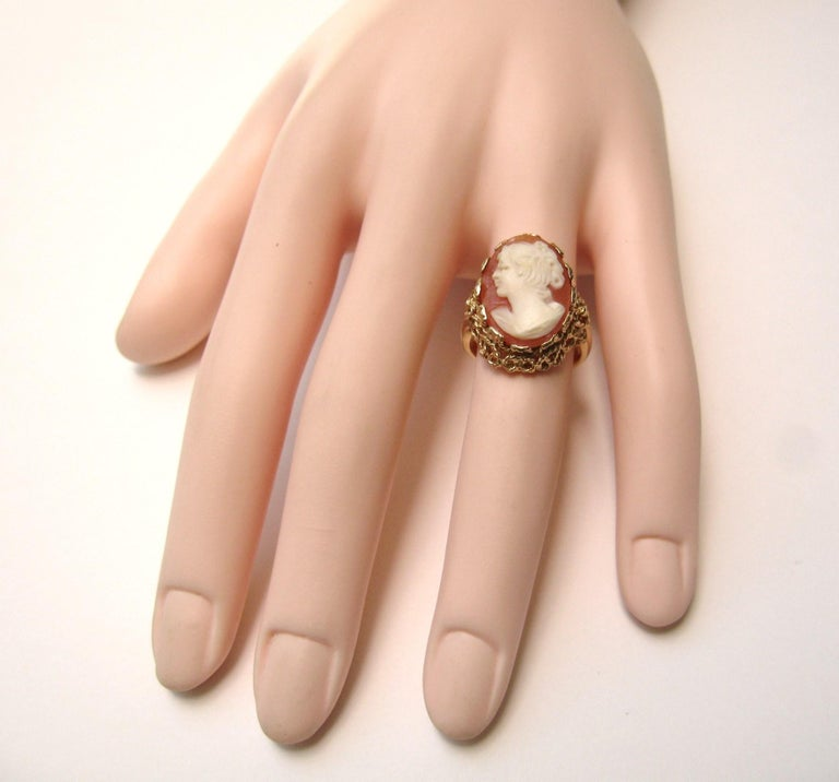 14 Karat Gold Cameo Ring For Sale 1