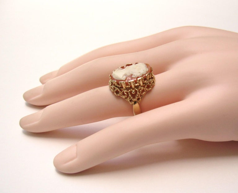 14 Karat Gold Cameo Ring For Sale 2