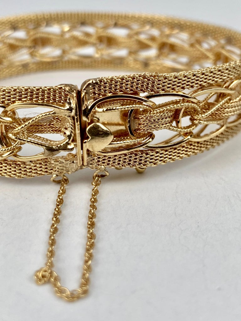 Mesh Bracelet-Finely Woven 14k Yellow Gold-1950s For Sale 2