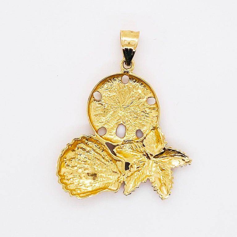 Artisan 14 Karat Shell Pendant with Beach Design, 14 Karat Gold with Bail, 14 Karat Gold For Sale