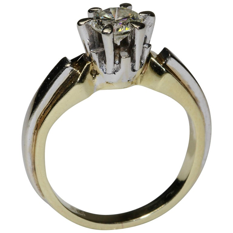 14K solitaire diamond ring approx. 0.82 carat VVS, F, white For Sale