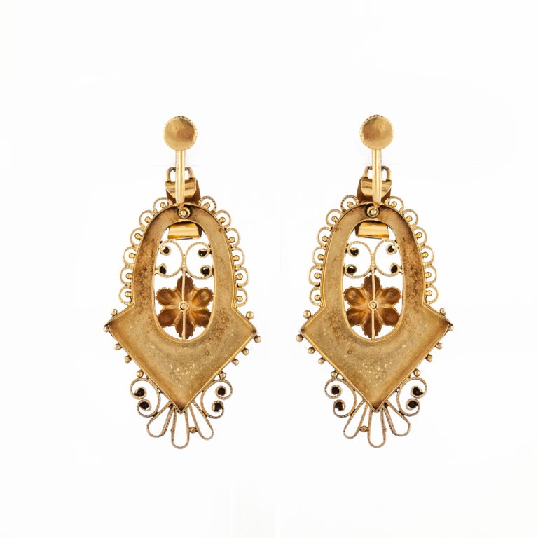 14 Karat Victorian Earrings In Good Condition For Sale In Houston, TX