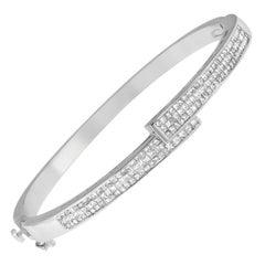 14k White Gold 2 1/4 Ct. TDW Diamond Cross-Over Bangle Bracelet 'H-I, SI1-SI2'