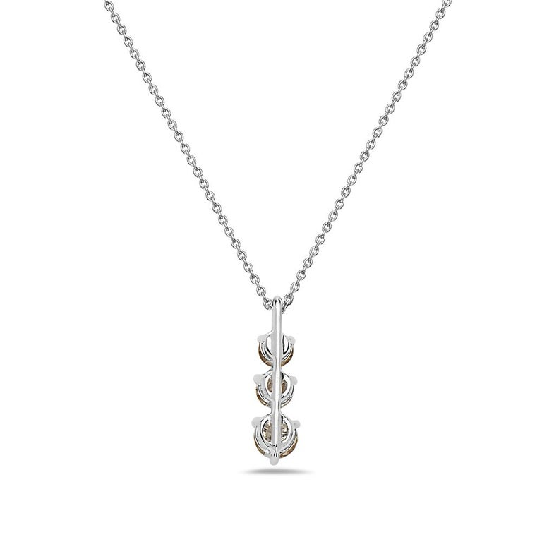 Contemporary 14 Karat White Gold 3-Stone Diamond Pendant Necklace For Sale