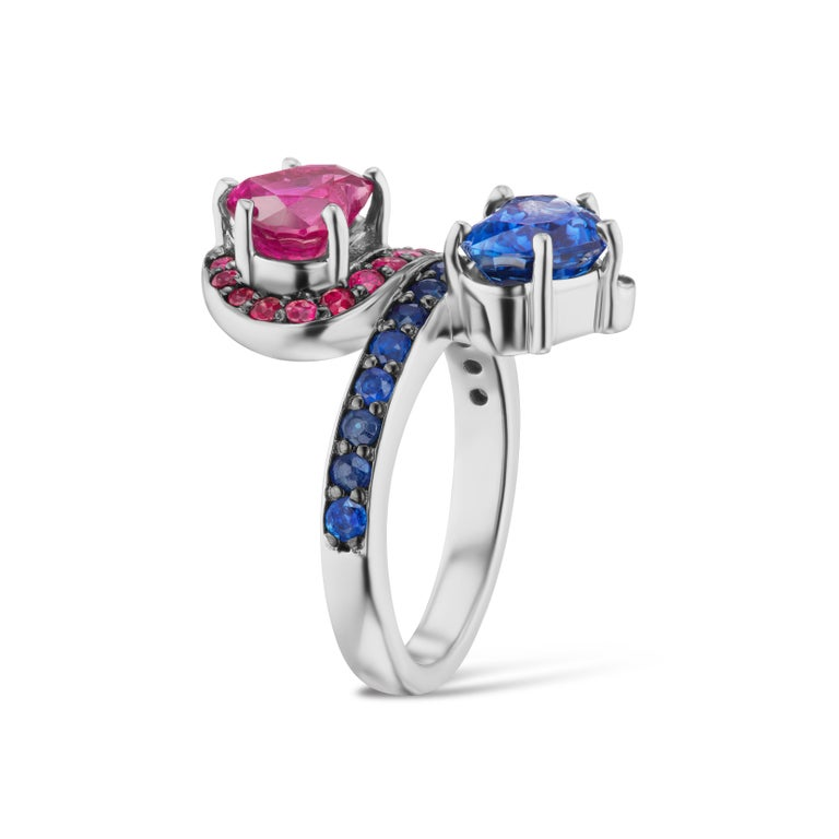 14 Karat White Gold Contrarie Ruby and Sapphire Heart Cocktail Ring In New Condition For Sale In New York, NY