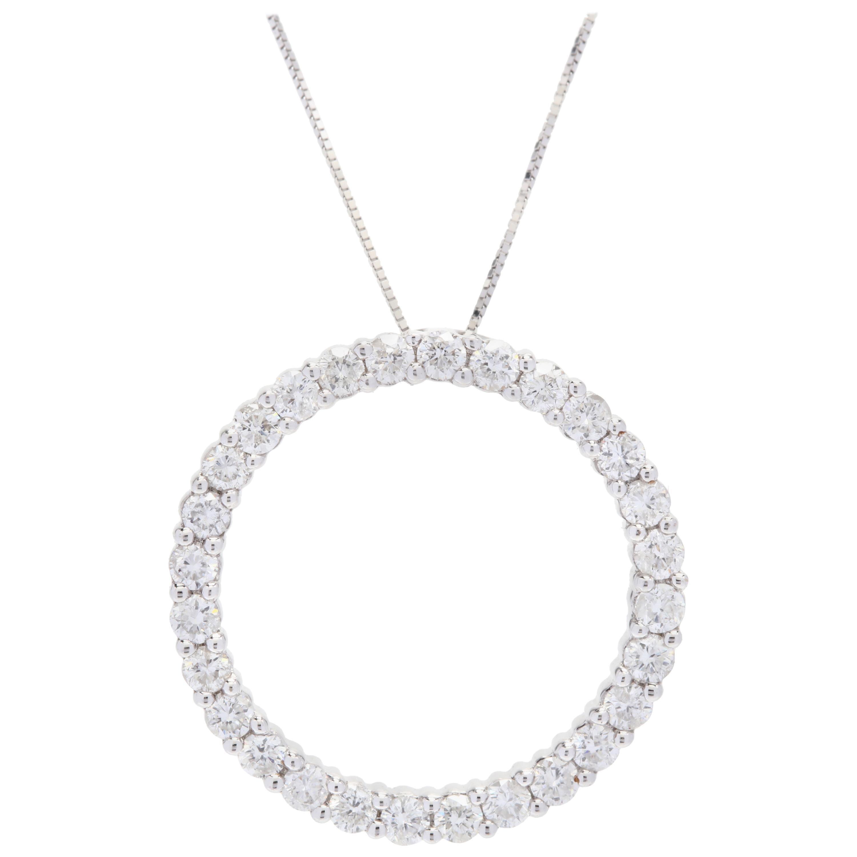 14 Karat White Gold Diamond Circle Pendant Necklace