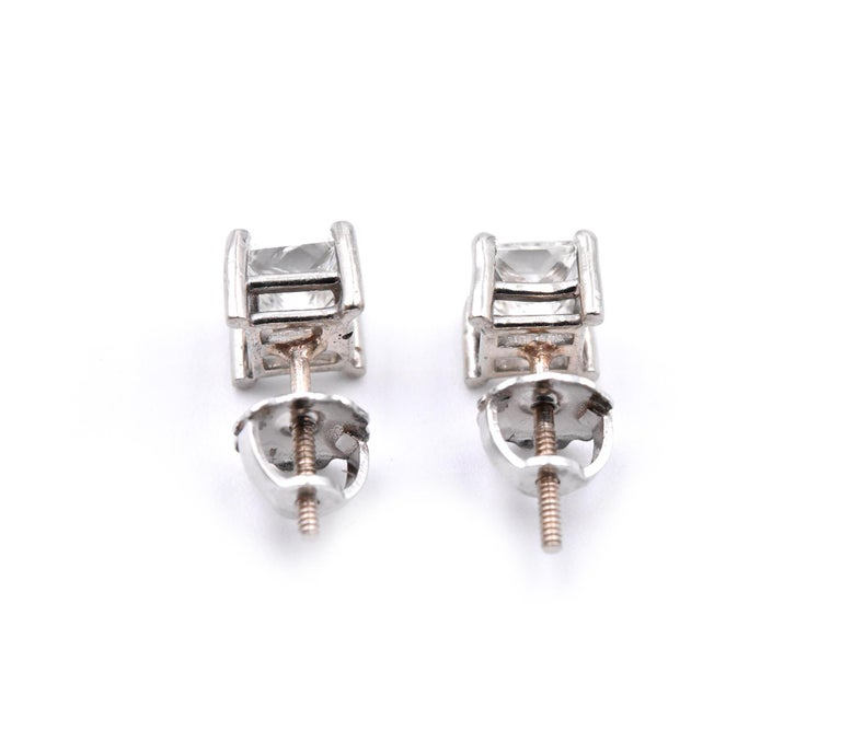 14 Karat White Gold Diamond Stud Earrings In Excellent Condition For Sale In Scottsdale, AZ