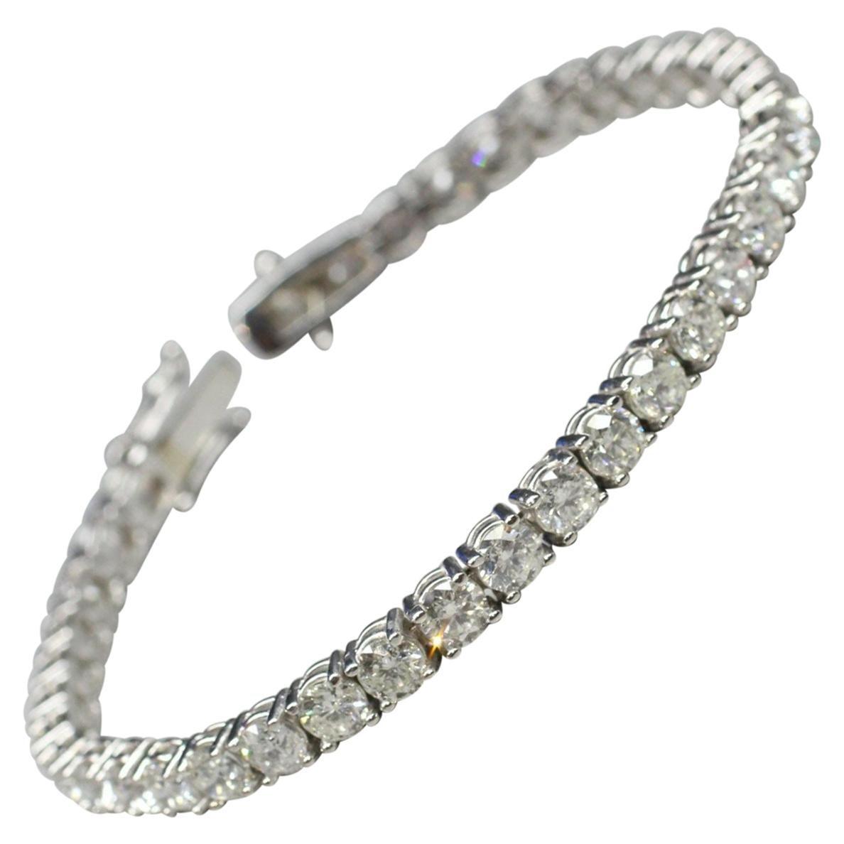 14k White Gold Diamond Tennis Bracelet Weighing 10.64cts