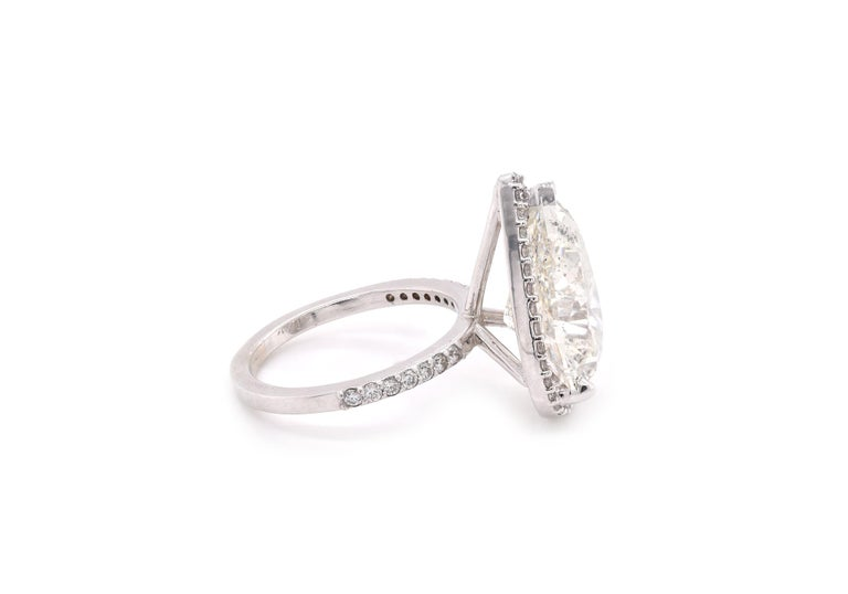 Pear Cut 14 Karat White Gold Pear Diamond Engagement Ring For Sale