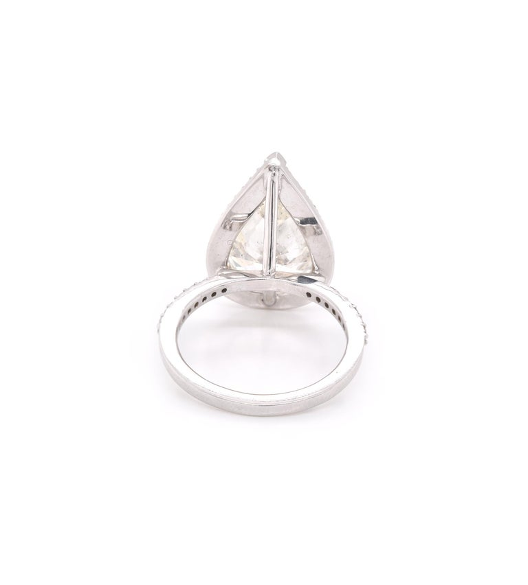 14 Karat White Gold Pear Diamond Engagement Ring In Excellent Condition For Sale In Scottsdale, AZ
