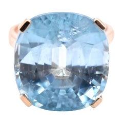 14 Karat Yellow Gold 19.38 Carat Blue Zircon Ring