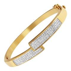 14K Yellow Gold 3 3/8 ct. TDW Diamond Cross-over Bangle Bracelet 'H-I,SI1-SI2'