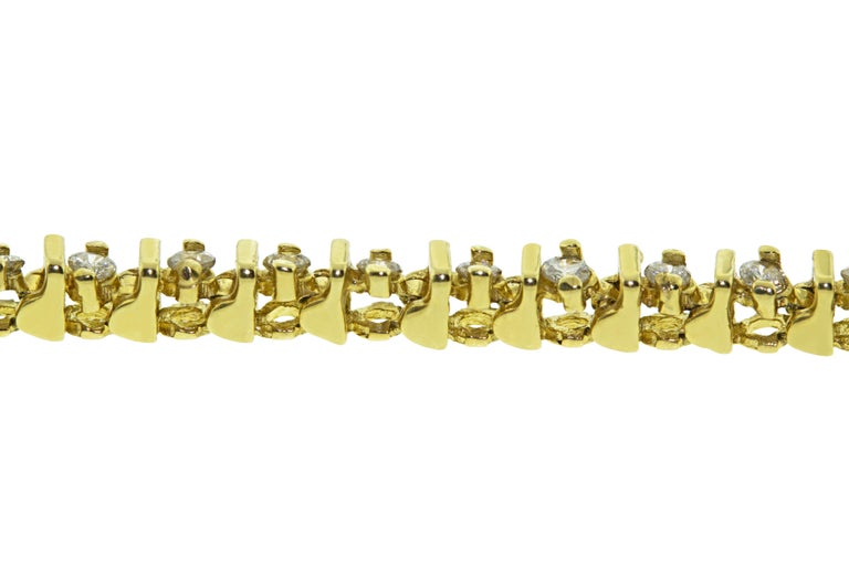 Round Cut 14 Karat Yellow Gold Barlink Tennis Bracelet For Sale