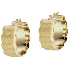 14 Karat Yellow Gold Brushed Scallop Hoop Earrings
