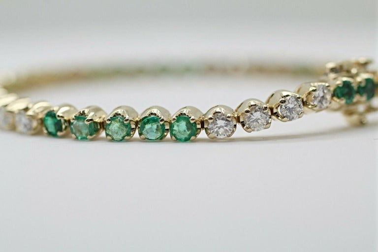 Contemporary 14 Karat Gold Custom Made Bracelet with Very Clean Emeralds and Round Diamonds For Sale