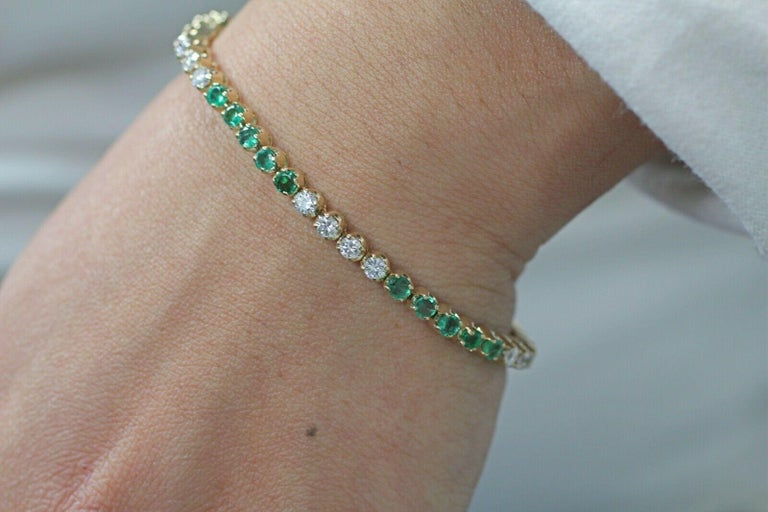 Women's or Men's 14 Karat Gold Custom Made Bracelet with Very Clean Emeralds and Round Diamonds For Sale