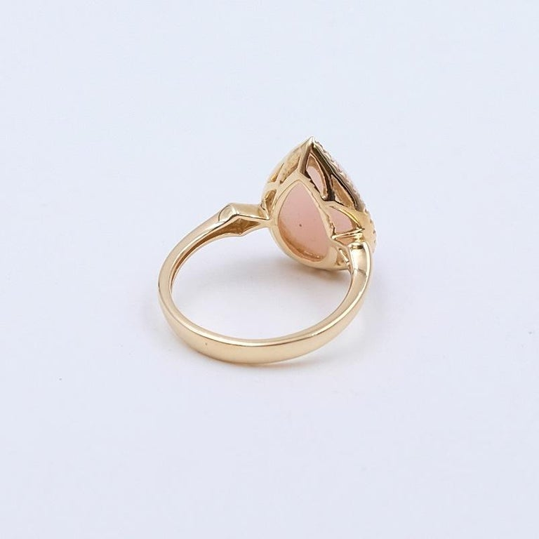 14K Yellow Gold Designer Pink Opal and Diamonds 0.25ct Ring size 6.5 In Excellent Condition For Sale In Austin, TX