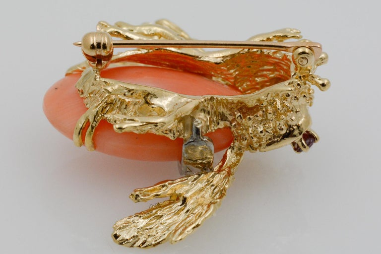 14 Karat Yellow Gold Diamond and Coral Bee Pin For Sale 3