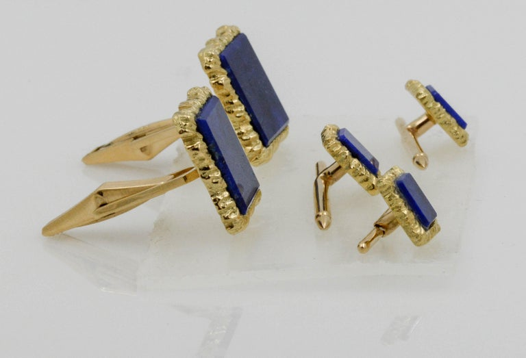 Modern 14 Karat Yellow Gold Framed and Textured Rectangle Lapis Lazuli Dress Suite For Sale