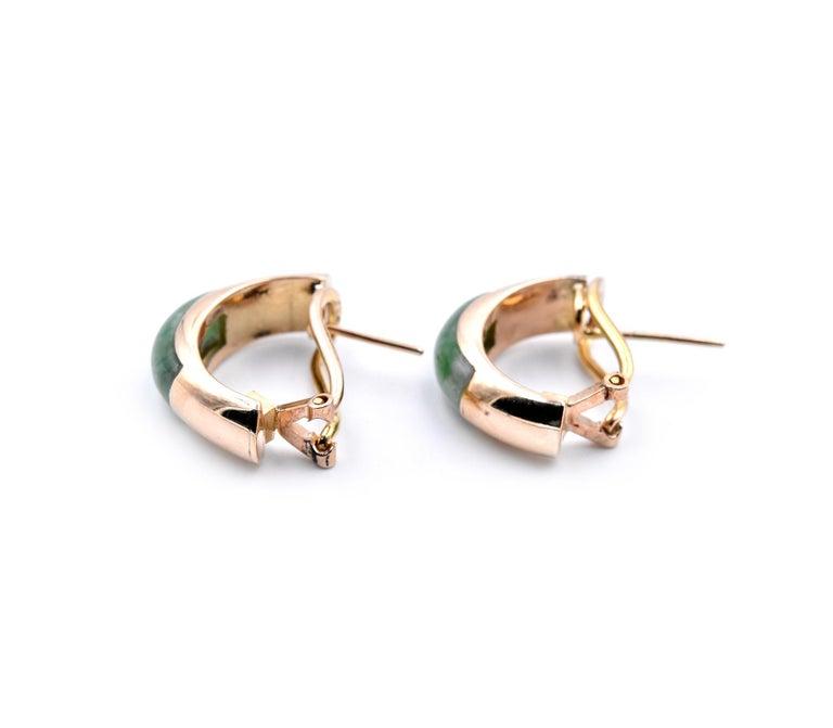 14 Karat Yellow Gold Jade Huggie Earrings In Excellent Condition For Sale In Scottsdale, AZ