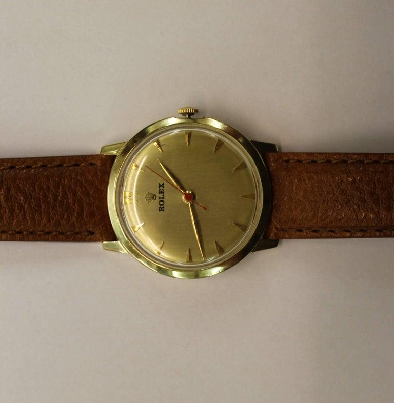 14-Karat Yellow Gold Rolex Men's Dress Watch In Good Condition For Sale In Hamilton, Ontario